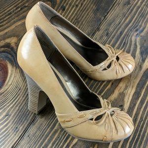 Shoes - Retro Style Round Toe Pump